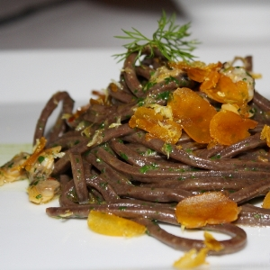 Cucinare con il cioccolato gli spaghetti al cacao
