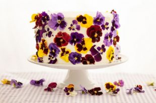 dolce decorazione fiori veri