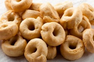 La ricetta delle ciambelline dolci al Montepulciano
