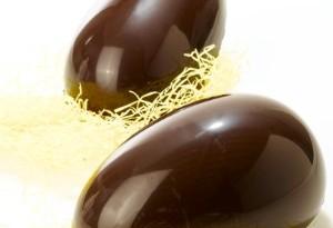 Uova di Pasqua, via libera al cioccolato il cacao è anticarie