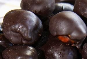 Fichi ripieni ricoperti di cioccolato aspettando Natale